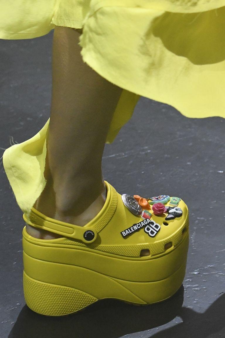 balenciaga foam shoes ss18 runway 1506936763