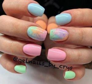 χρωματιστα νυχια με σχεδια